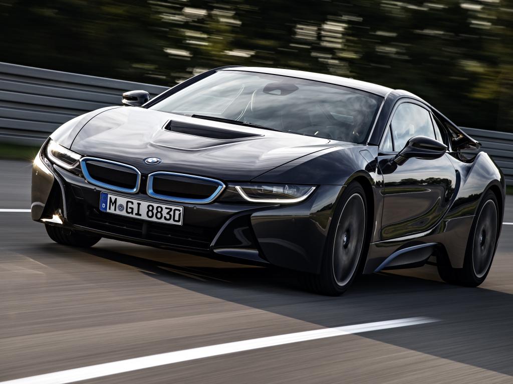 Location de voiture BMW i8 - 7 jours et 700 km inclus