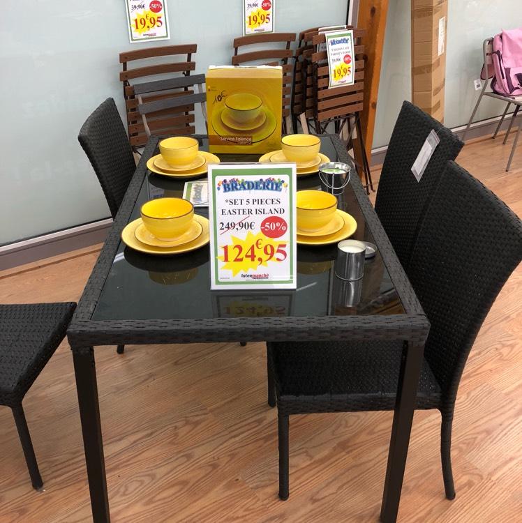 Ensemble Easter Island : 4 chaises + 1 table de jardin à Intermarché Mortagne-au-Perche (61)