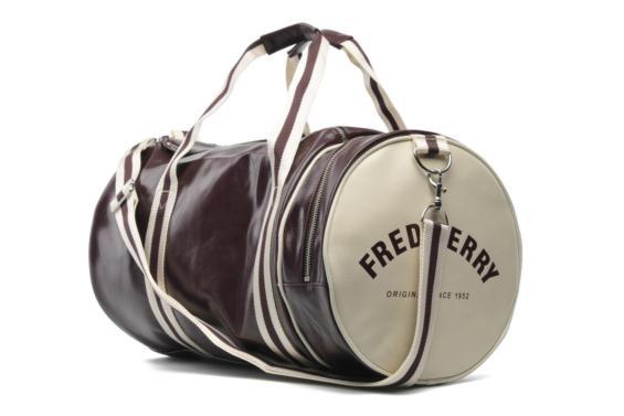 De 30 à 50% de réduction sur une sélection d'articles en boutiques - Ex : sac barrel Fred Perry Classic dans TOUS LES CITADIUM