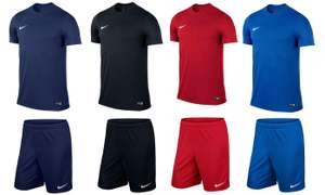 Ensemble Nike T-shirt + Short