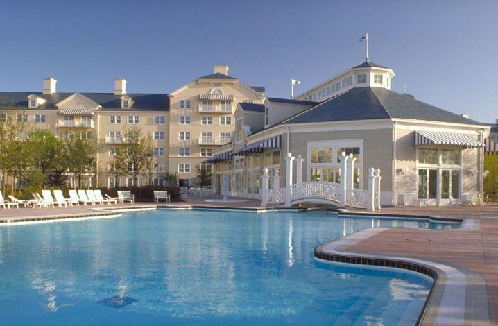 Nuit d'Hôtel 4* Disney's Newport Bay Club en Chambre Standard (2 Adultes + 2 Enfants) du 10 au 11 Janvier 2018 - Chessy (77)
