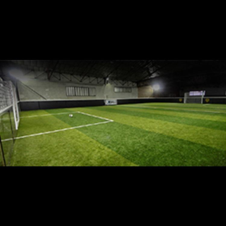 1h de foot en salle pour 10 personnes - Petite Forêt (59)