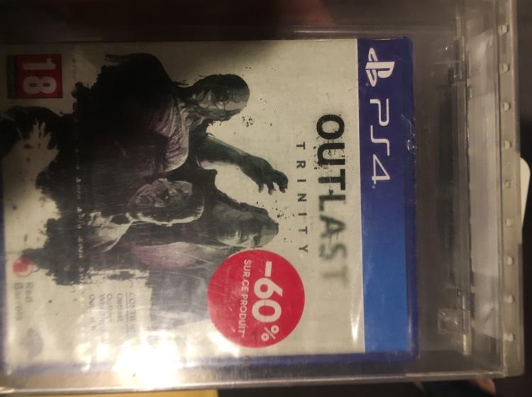 Sélection de jeux video en promotion - Ex : Jeu Outlast sur PS4 - Fnac St Maximin (60) ou Amiens (80)