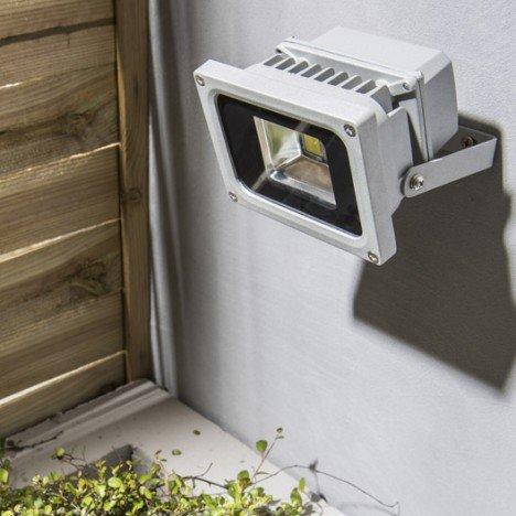 Projecteur à fixer extérieur Yonkers INSPIRE - LED intégrée, 10W, 680Lm, Aluminium - Chelles (77)