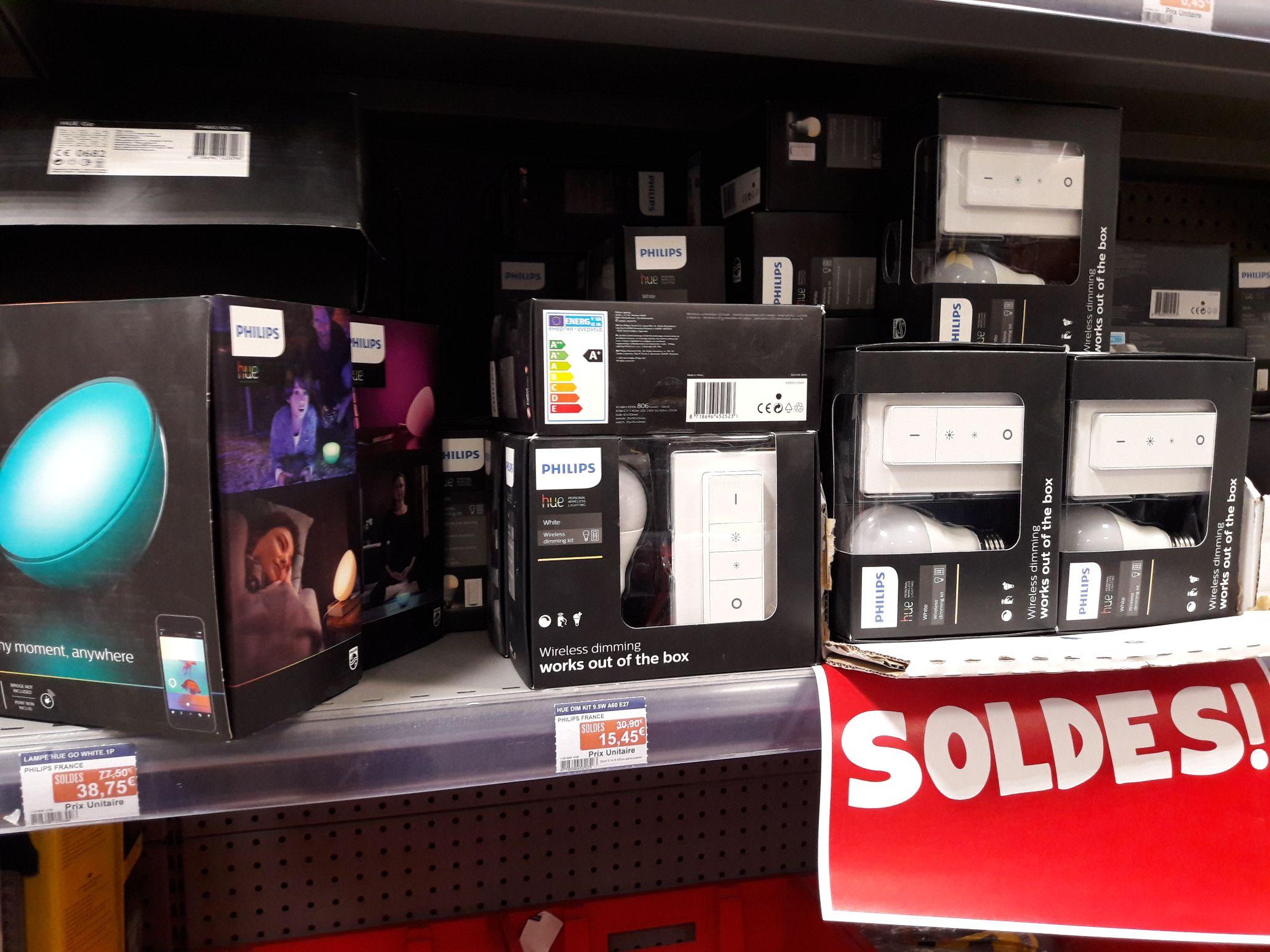 Sélection d'articles en soldes - Ex : Kit de démarrage Philips hue wireless dimming - Leclerc dinan (22)