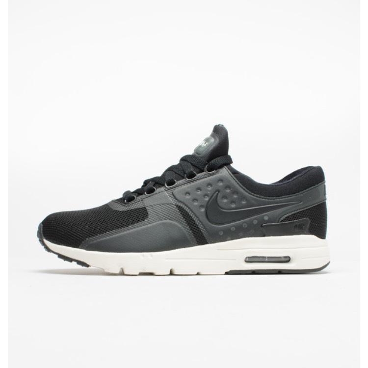 Chaussures femme Nike air Max Zéro