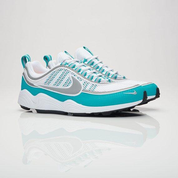 Sélection de Baskets en Promotion - Ex: Nike Sportswear  Air Zoom Spiridon 16 (Tailles au choix)