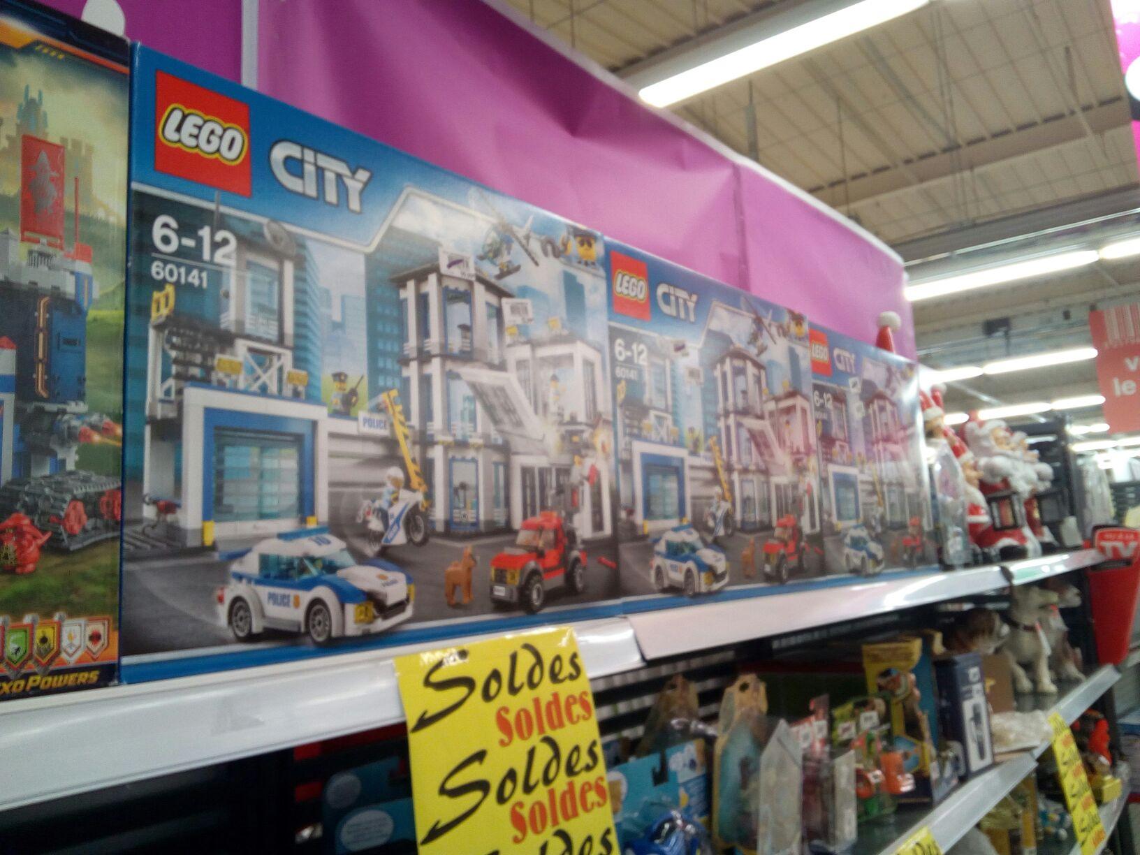 Jouet Lego City - Le commissariat de police (60141) au Cora Saint-Dizier (52)