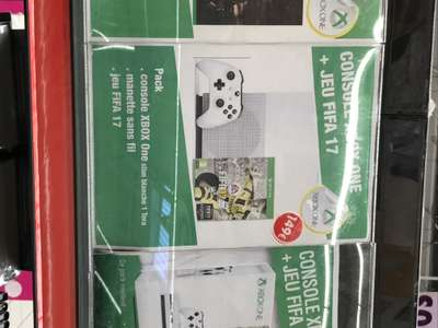 Console Microsoft Xbox One S - 1 To + FIFA 17 au Carrefour Gennevilliers (92)