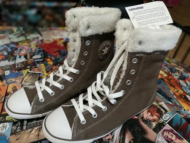 Sélection de chaussures en soldes - Ex : Basket hautes Converse CT Dainty XHI Morel en 37/38/40