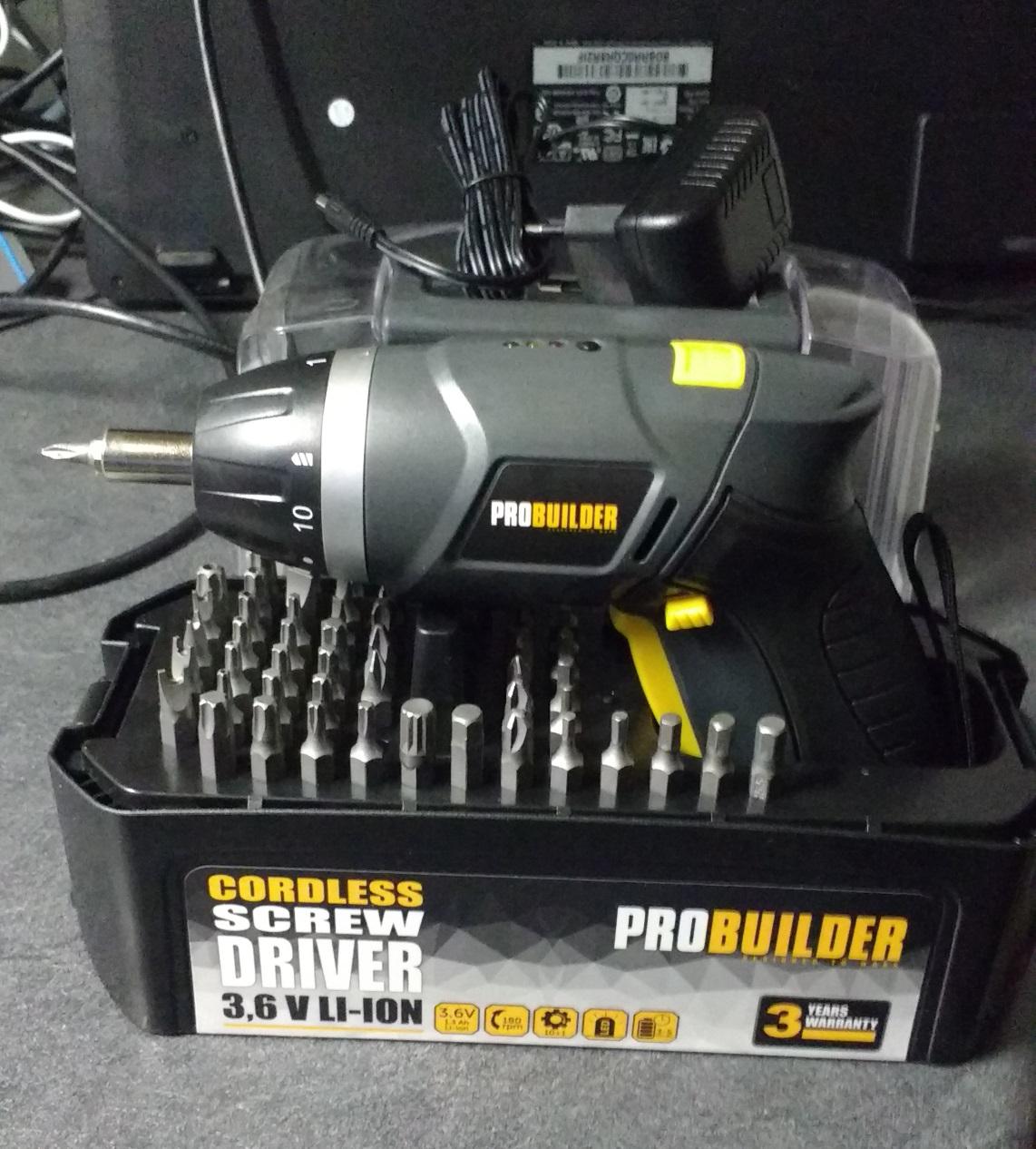 Visseuse/Dévisseuse électrique rechargeable Probuilder - Saintes (17)