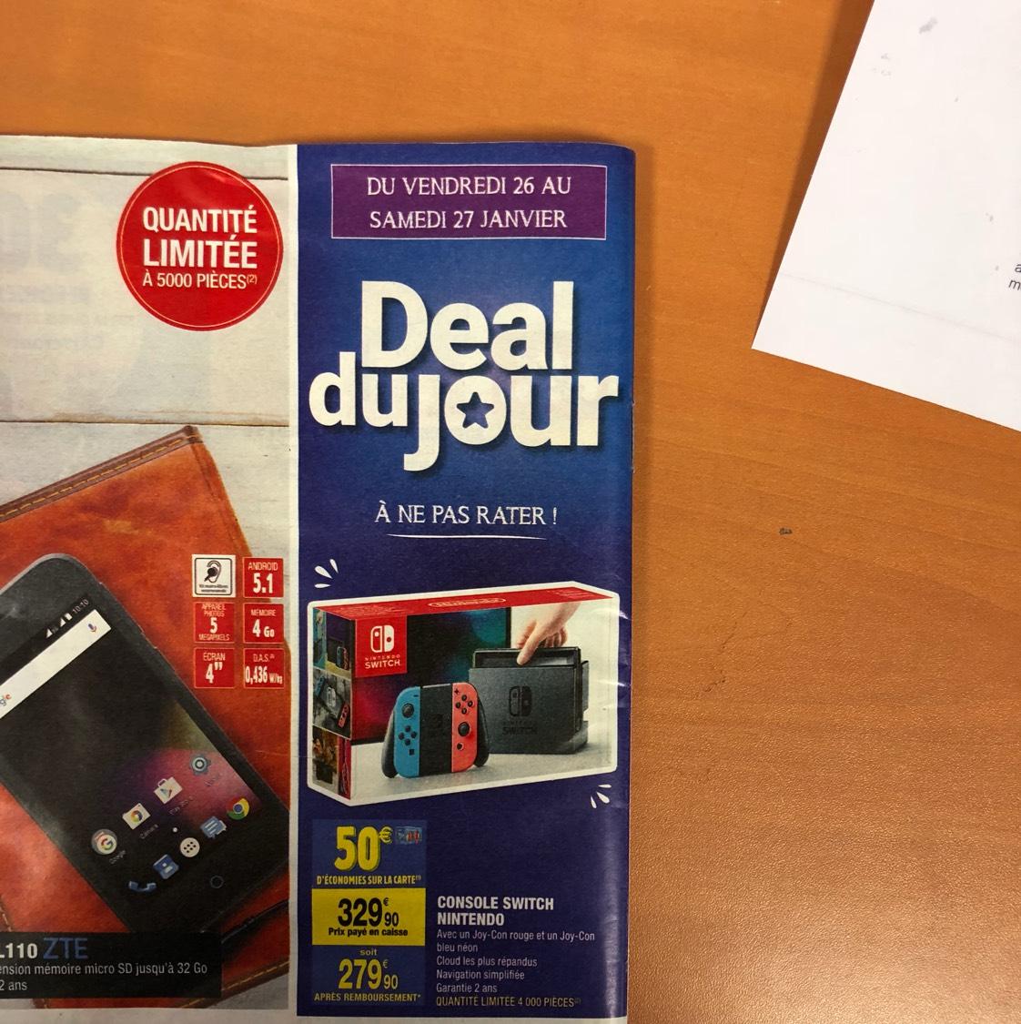 Console Nintendo Switch avec paire de Joy-con bleu et rouge (via 50€ sur la carte fidélité)