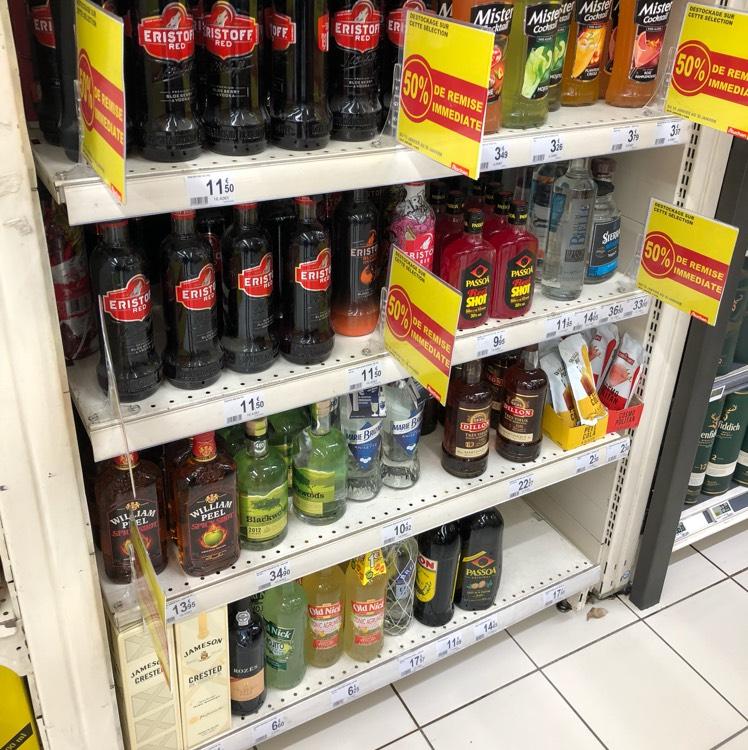 50% de réduction sur une sélection de bouteilles d'alcool - Ex: Bouteille Eristoff Red 5,75€ au lieu de 11,5€ - Auchan Issy 3 Moulins (92)