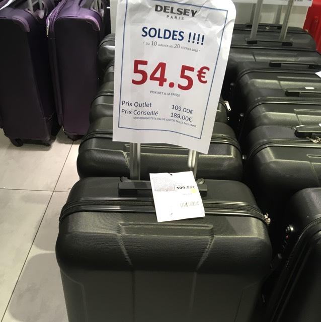 Sélection de valises Delsey en soldes - Ex : Valise Delsey Cineos 66 cm - Marques avenue Saint denis (93)