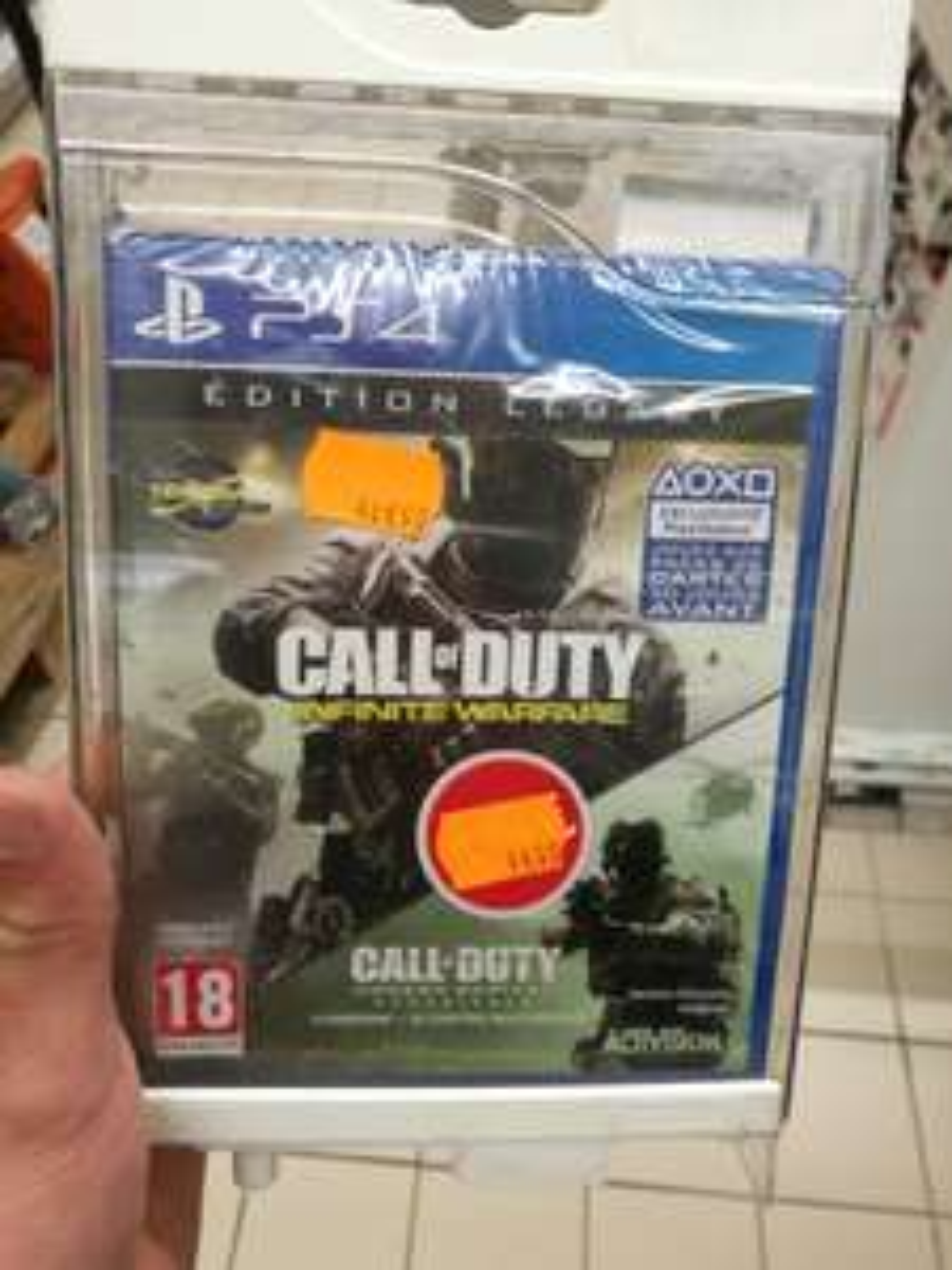 Pack Call of Duty: Infinite Warfare + Modern Warfare sur PS4 au Carrefour Dax (40)