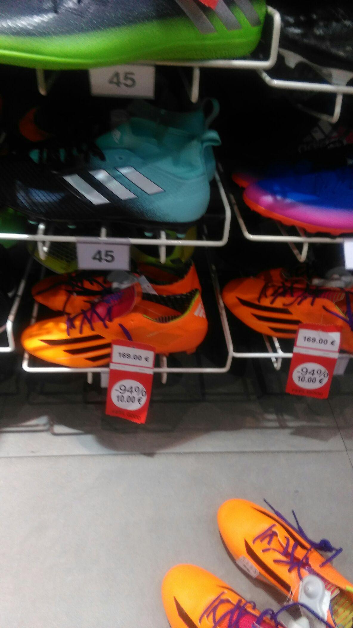 Sélection de chaussures de football à 10€ - Quais d'Ivry (94)