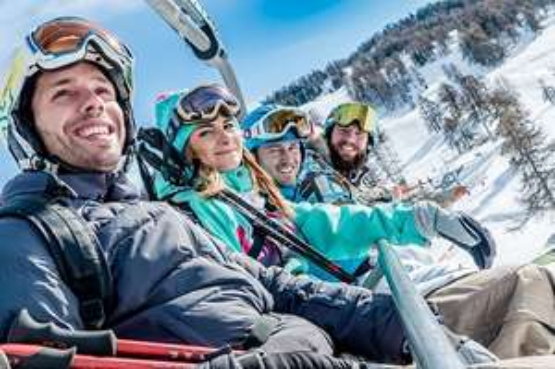 Sélection de journées de ski en promotion au domaine de Saint François Longchamp (73) - le samedi à 22.3€ ou le dimanche à 26.8€