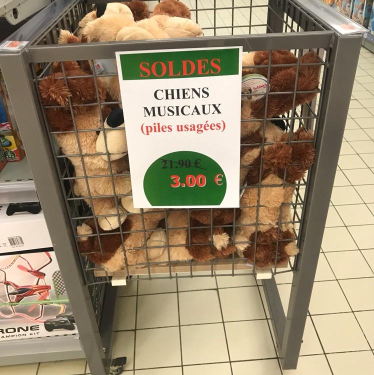 Grande peluche chien musical douce (piles usagées) - Leclerc St-Gregoire (35)