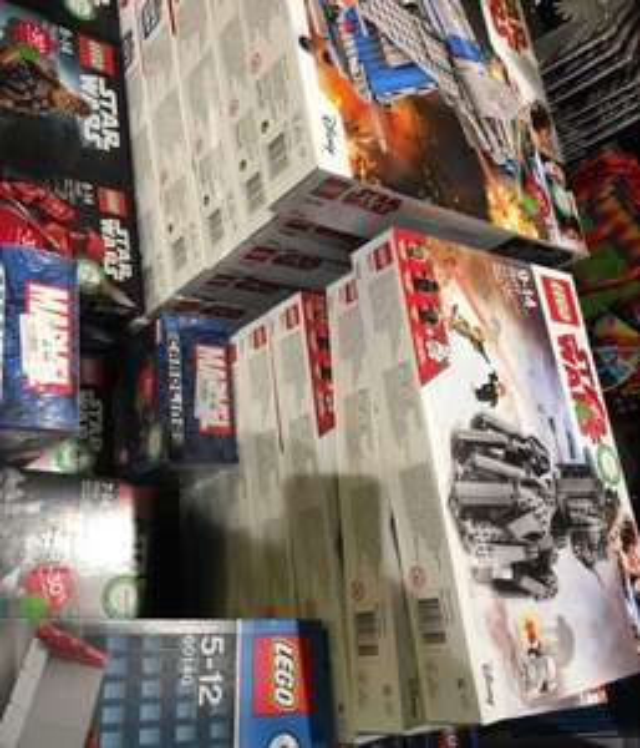 Sélection de jouets Lego City et Star Wars en promotion - Ex : Jeu de construction Lego Le Cambriolage de la Banque n°60140 - Fnac Epinal (88)