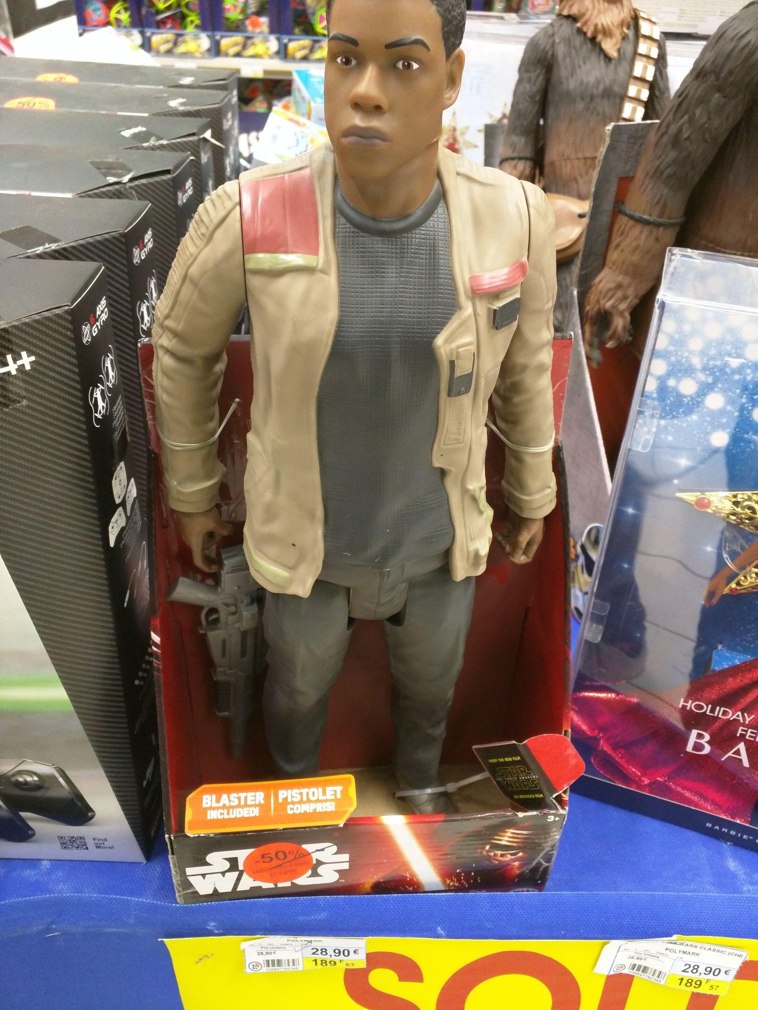50% de réduction sur une sélection de figurines Polymark Star Wars - Ex : John Boyega au E.Leclerc Basse-Goulaine (44)