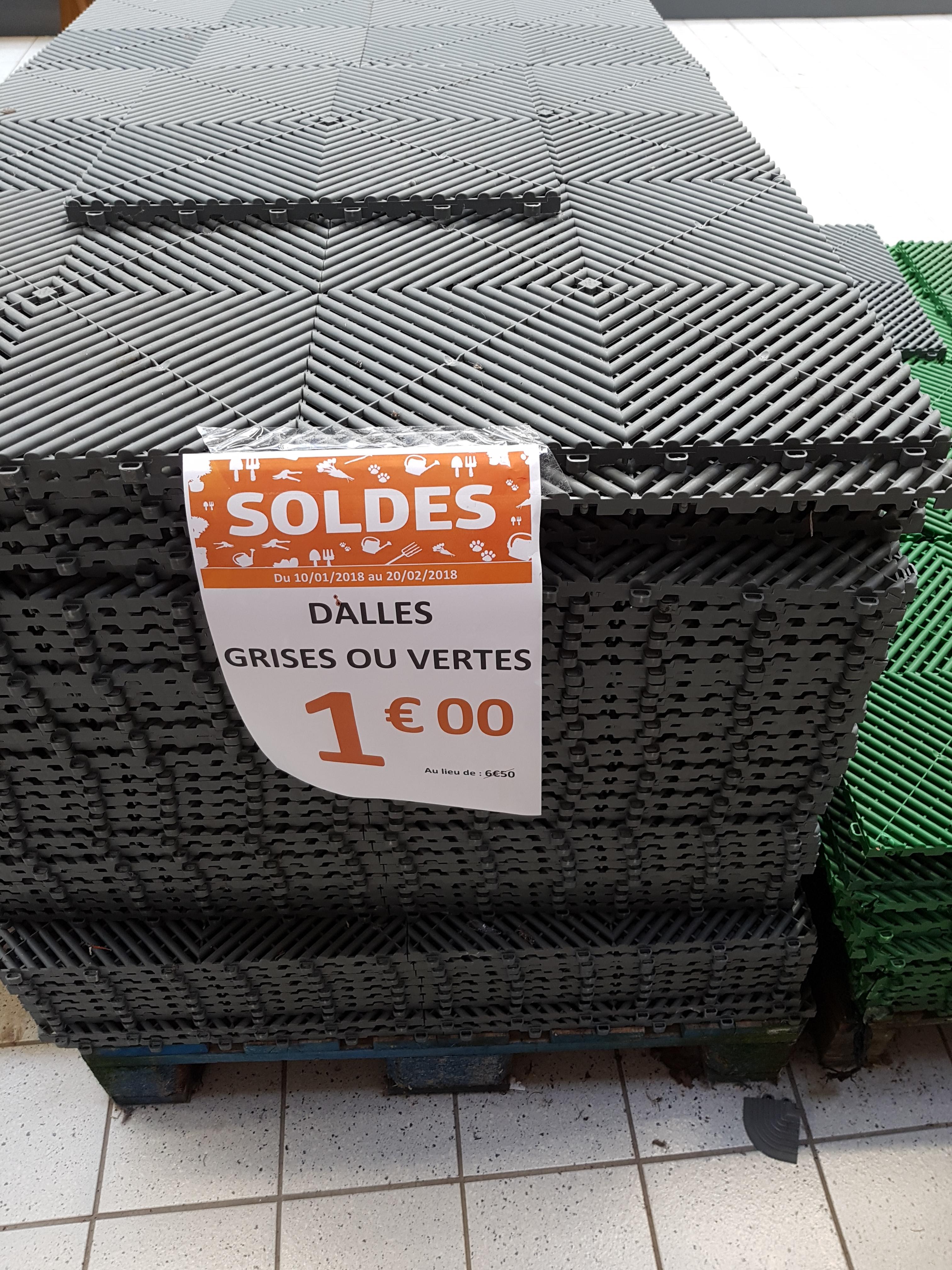 Dalles PVC 40x40cm -  Jardiland Orvault (44)