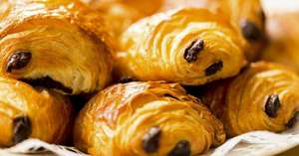 Le lot de 20 pains au chocolat surgelé pur-beurre (DLUO courte)