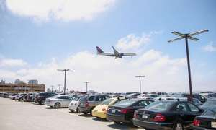 Stationnement 30 jours dans une sélection de parking d'aéroport/gare