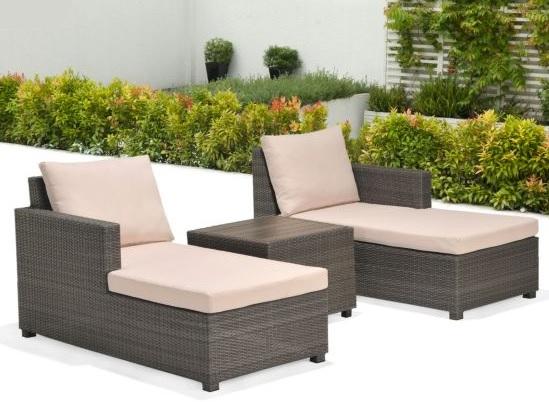 Salon de jardin 2 à 4 places Palmyra (gris, effet rotin tressé) - 2 méridiennes + table basse