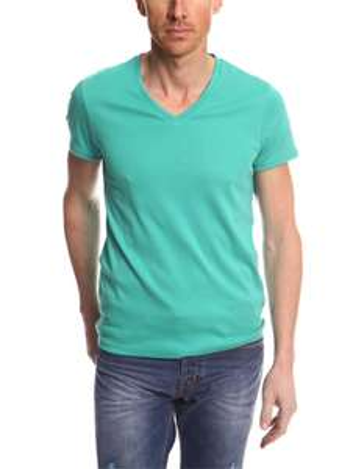 """Jusqu'à -50% sur une sélection d'articles """"Les Immanquables"""" - Ex : t-shirt basic"""
