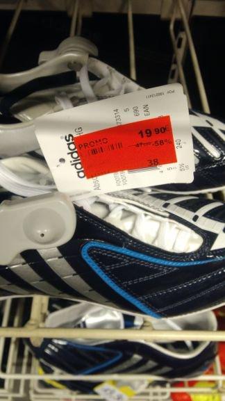 Promotion sur les chaussures de football - Ex: Adidas Predator (Place des Halles Strasbourg - 67)