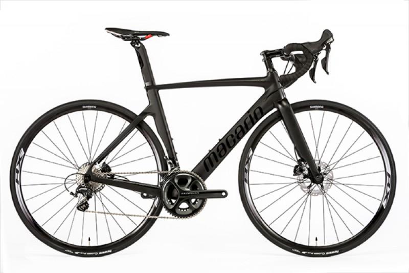 Vélo Macario Arcalis Carbon Ultegra frein a disque hydraulique (taille 54/56/58/60)