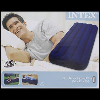 Matelas gonflable Intex 1 personne (version 2 personnes à 11,95€)