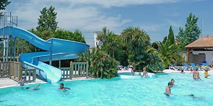 Séjour 8 jours/7 nuits en chalet 4 pièces (8 personnes) au Camping Le Saint-Hubert à l'île d' Oléron