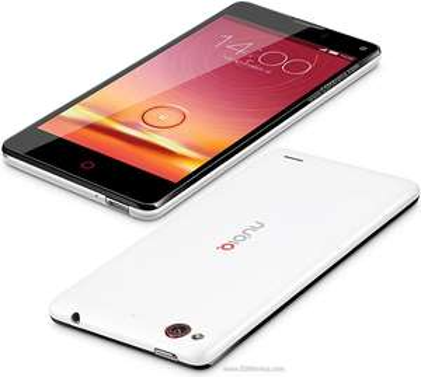 """Smartphone 4,7"""" ZTE Nubia Z5S mini : S600, 2 Go RAM, 16 Go"""