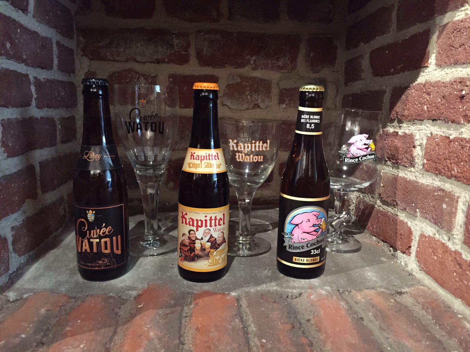 1 Rince Cochon 33cl et son verre 50cl + 1 Cuvée Watou 33cl et son verre + 1 Kapittel ABT 33 cl et son verre (Lille 59)