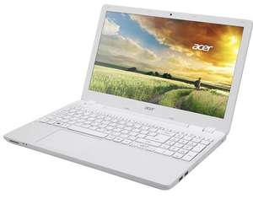 """PC Portable 15,6"""" Acer Aspire V3-572G-55NR (Intel Core i5, 4 Go de RAM, 1 To, Nvidia GeForce 820M, Windows 8.1) - Blanc"""