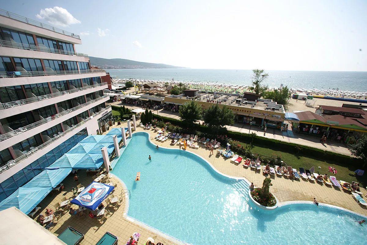 Séjour de 8 Jours/7 Nuits en Demi-Pension à l'Hôtel Le Globus **** en Bulgarie (Sunny Beach) - Départ de Lyon le 23/06