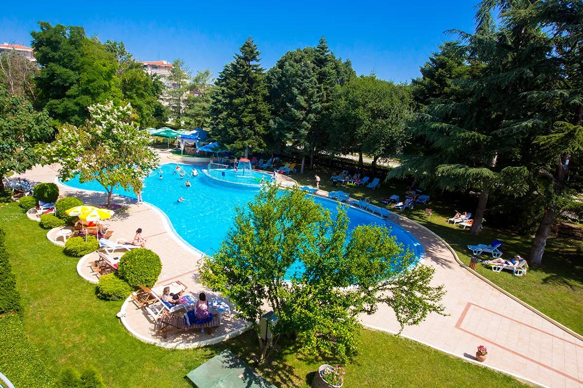 Séjour à l'Hôtel Koral en Bulgarie 8 Jours / 7 Nuits avec vol inclus et demi-pension par personne à partir de