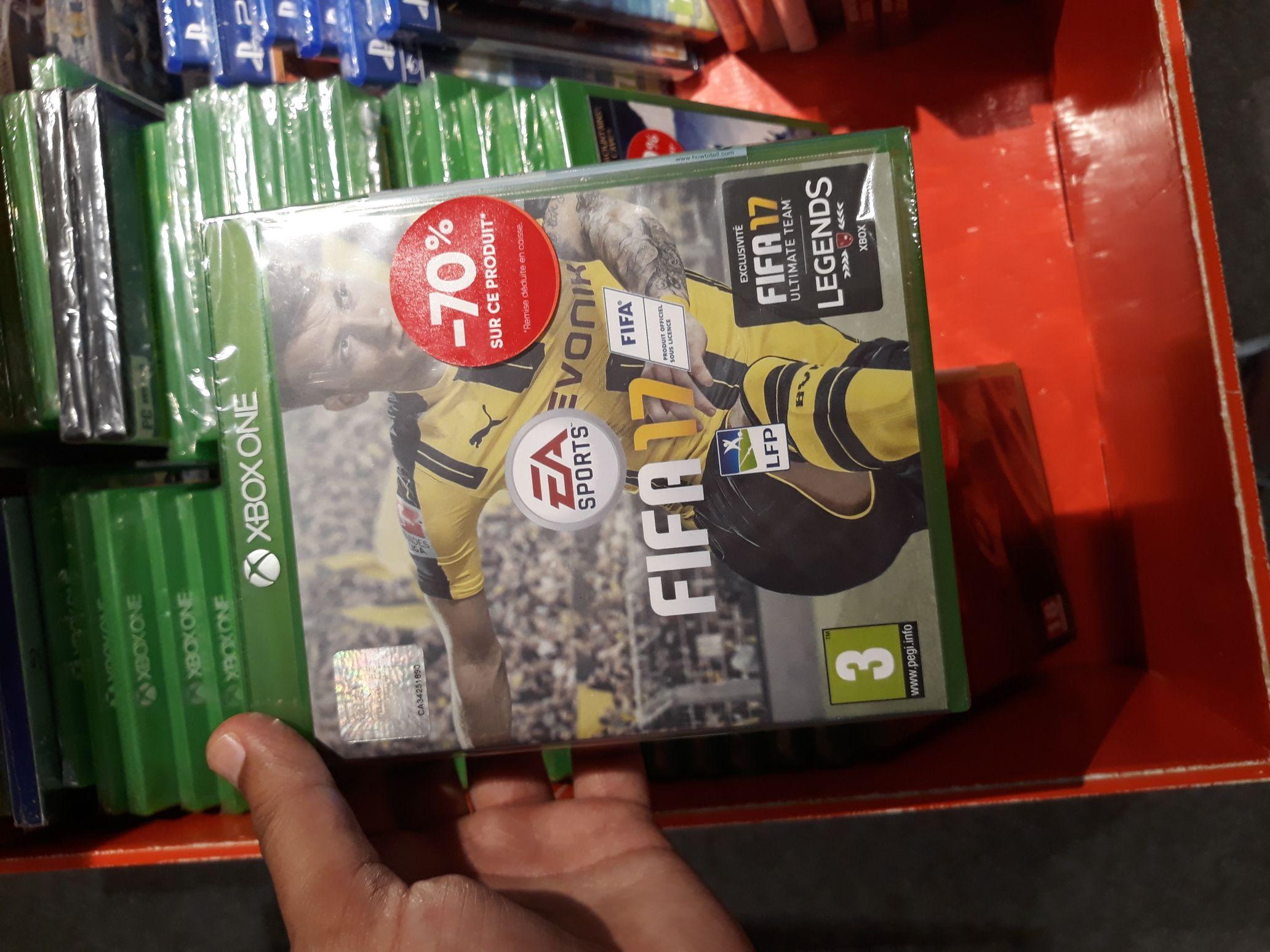 Fifa 17 sur Xbox One - Forum des Halles (75)