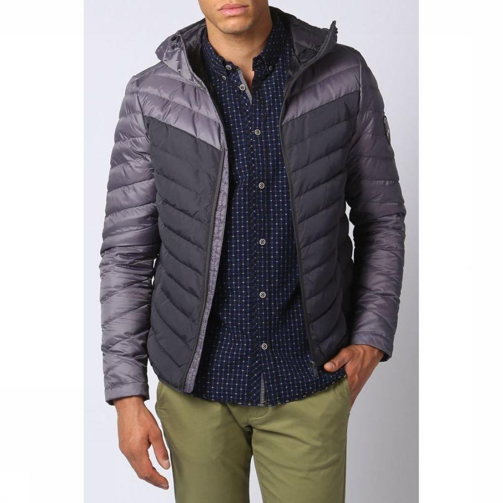 70% de réduction immédiate sur une sélection de manteaux - Ex: Manteau Chevron Colour Block Down (toutes tailles!)