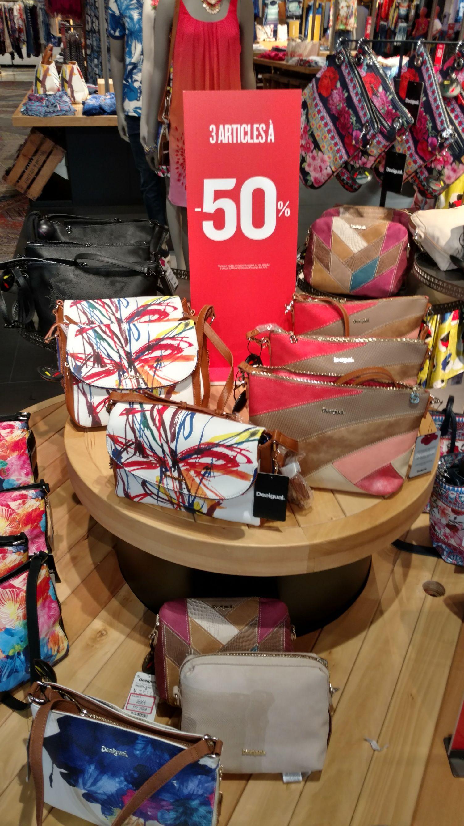 50% de réduction sur le total dès 3 articles soldés achetés - Commercial Beaulieu (44)