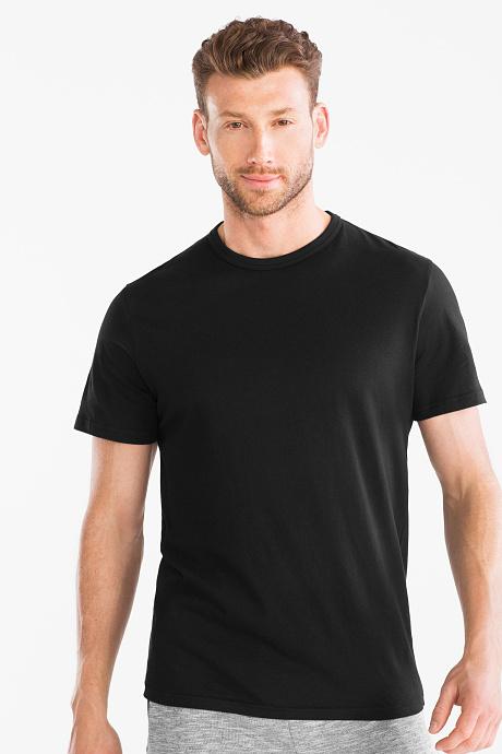 Sélection d'articles en promotion - Ex: T-shirt homme noire - Taille S