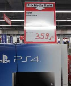 Console Sony Playstation 4 avec 2 manettes  en magasin