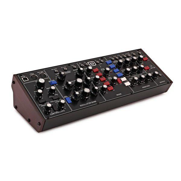 Module de synthétiseur analogique Behringer Model D