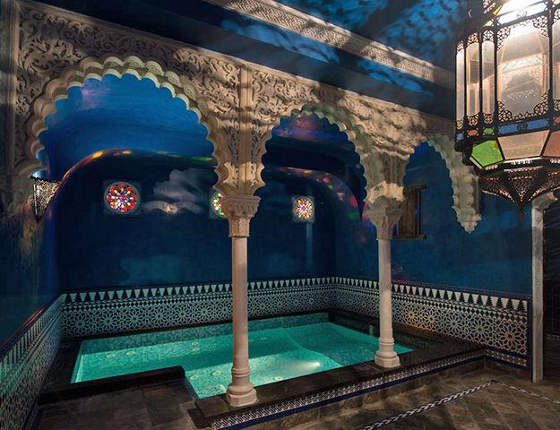 Une nuit d'hotel pour deux au Manos Premier 5* à Bruxelles - Chambre deluxe, apéro offert, petit déjeuner et frais de dossier inclus