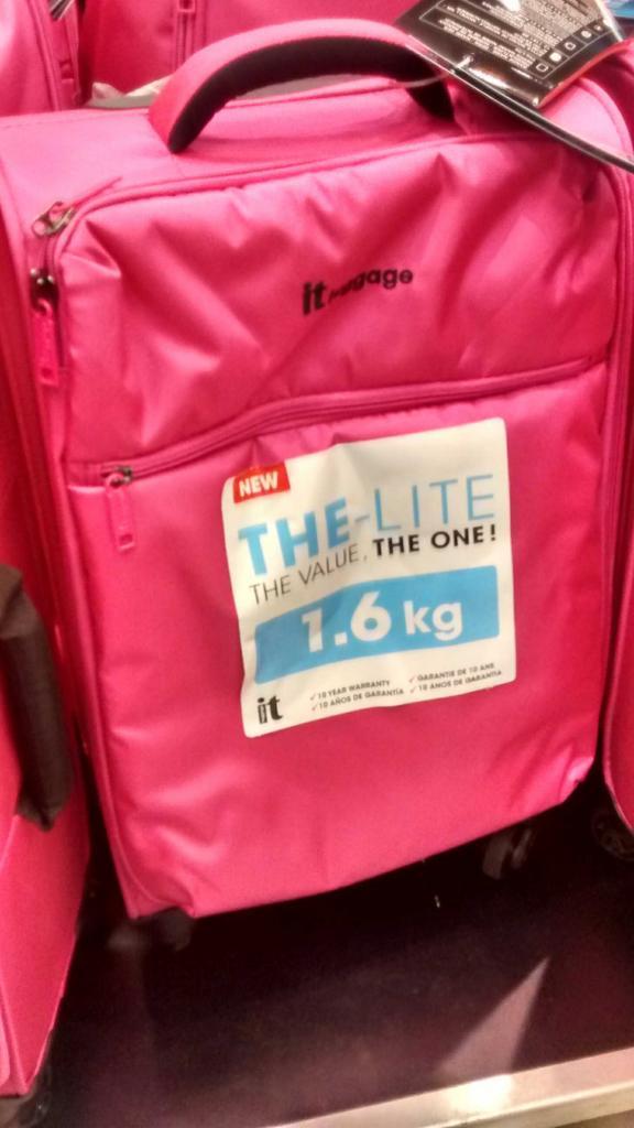 Valise trolley The Lite de It Luggage - 1,6 Kg - 34 litres - Rose ou Noire