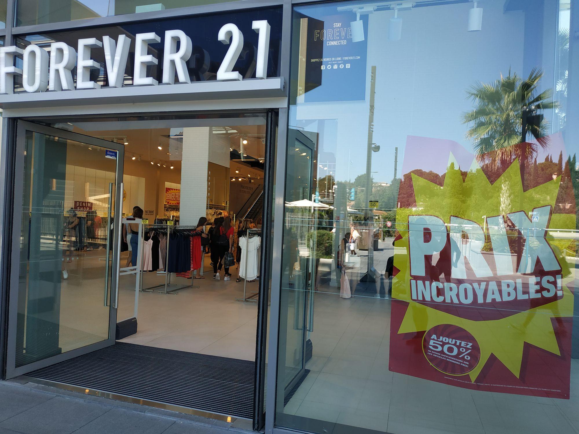 75% de réduction immédiate sur tout le magasin - Cagnes sur mer (06) Polygone Riviera