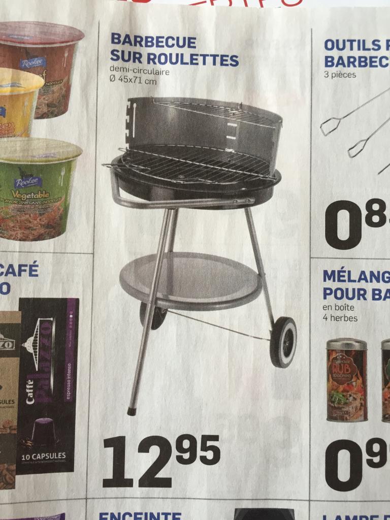 Barbecue sur roulettes - 46cm de diamètre