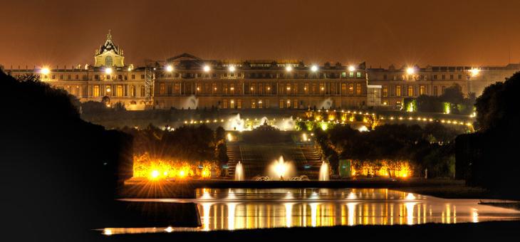 Spectacle (pour 2 adultes et 2 enfants) pour les grandes eaux nocturnes au Château de Versailles