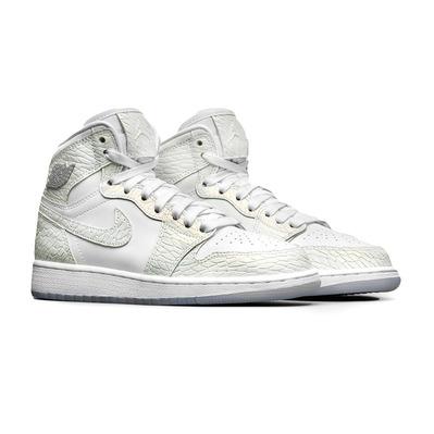 Baskets pour femme Nike Air Jordan 1 retro Pure Platinium - taille 36 1/2 à 38 1/2